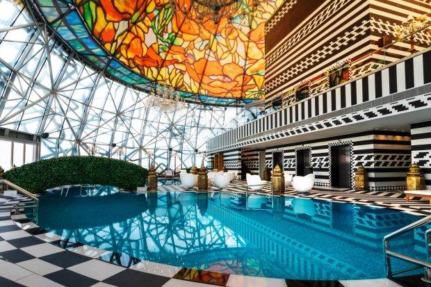 mondrian-marcel-wanders-interiors-hotels-doha-qatar_dezeen_2364_col_11-1704x1136