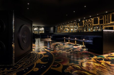 mondrian-marcel-wanders-interiors-hotels-doha-qatar_dezeen_2364_col_2-1704x1136