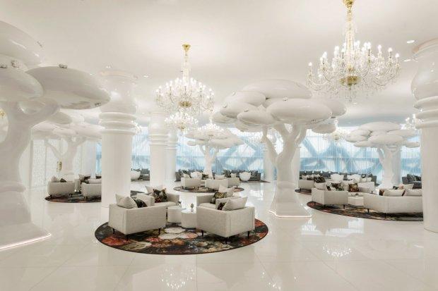 mondrian-marcel-wanders-interiors-hotels-doha-qatar_dezeen_2364_col_7-1704x1136