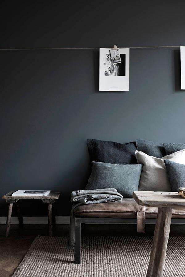 Hans-Blomquist-in-Detail-black-wall